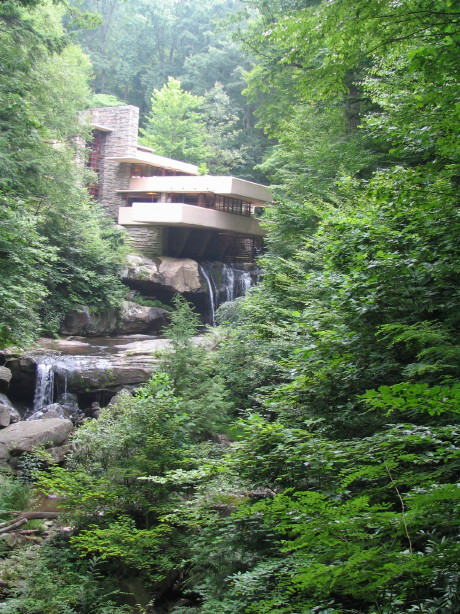 Fallingwater at Bear Run (1935), Frank Lloyd Wright, Mill Run, Pennsylvania, July 2005, photo by Skywire, all rights reserved