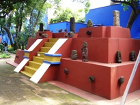 Partially constructed in Frida's garden, photo by Laura Stokes 2007, all rights reserved