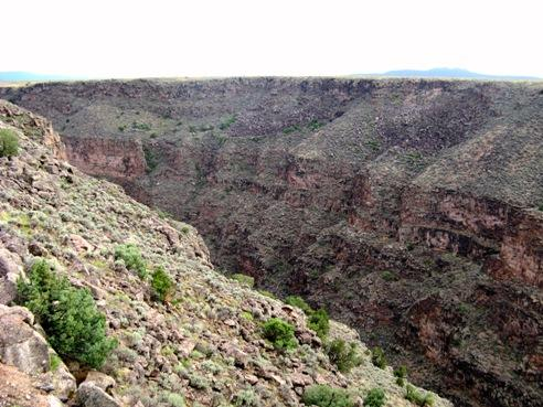 Approaching the Rio Grande Gorge, photo © 2007 by ybonesy, all rights reserved