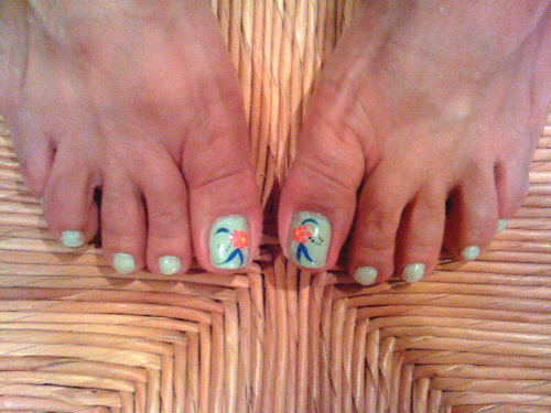 Mint Toes, my friend Patty's toenails in same design, different color, July 2009, photo © 2009 by ybonesy, all rights reserved